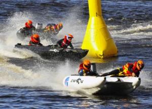 Chris Sergent crewing center boat